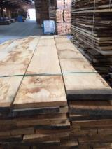 Hardwood - Square-Edged Sawn Timber - Lumber Supplies 27 mm square edged Oak lumber, KD 10-12%, PEFC