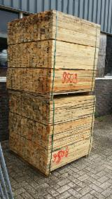 Sawn Timber - Pallet wood: wooden planks, 1.200 x 60 x 12 mm