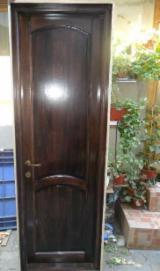 Produse De Tamplarie Romania - Vand usi stratificate de lemn din tei - 700 lei, negociabil