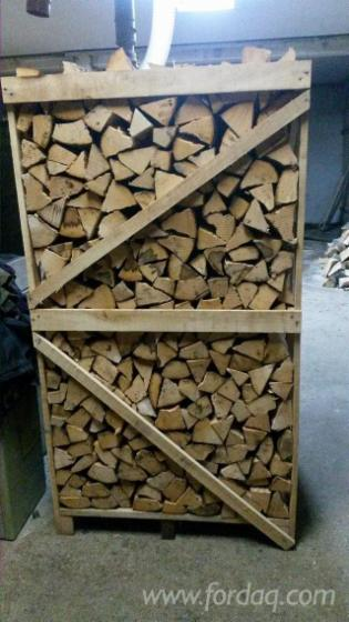 Firewood-on-pallets---beech-and