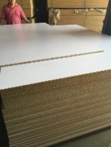 Paneles Reconstituidos - Panel de Partículas - Aglomerado, 15; 18 mm