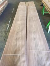 Sliced Veneer AA Extra For Sale Italy - AMERICAN WALNUT VENEER
