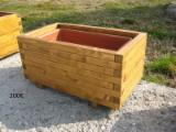 Buy Or Sell Wood Flower Pot - Planter Italy - Flower pots offer