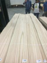 Sliced Veneer Oak European A First - Natural Veneer, Oak (European), Flat cut, figured