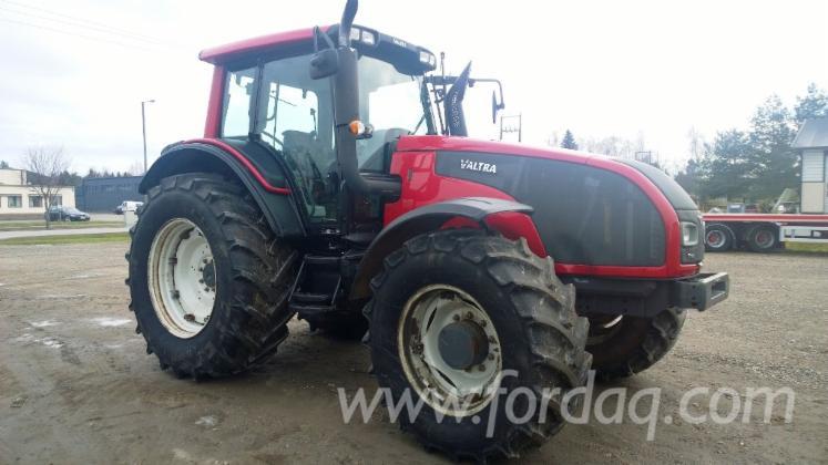 Traktor-Valtra-Usada-2012-T191-en