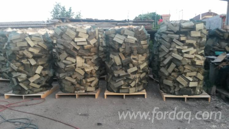 Cleaved-firewood-offer-from
