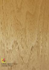 Sliced Veneer - American walnut 73
