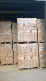 Firelogs - Pellets - Chips - Dust – Edgings Oak European For Sale - Woodbriquette RUF good quality, West Poland - to Europe