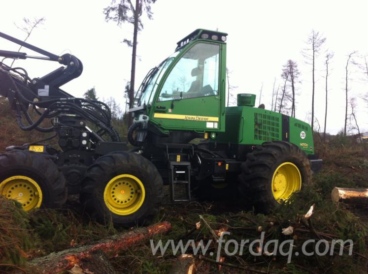 Used-2008-John-Deere-1470D-Eco-III-Harvester-in