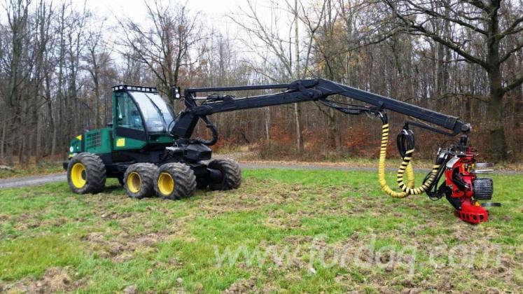 Used-2001-Timberjack-1070-Harvester-in