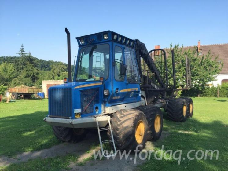 Used-2006-Rottne-Solid-F9-Forwarder-in