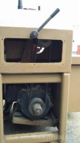 Maszyny do Obróbki Drewna dostawa Gang Rip Saws Używane 1990 SCM M2 w Włochy