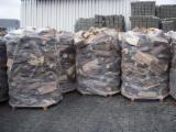 Wholesale Biomass Pellets, Firewood, Smoking Chips And Wood Off Cuts - Wholesale Beech (Europe) Firewood/Woodlogs Cleaved in Romania
