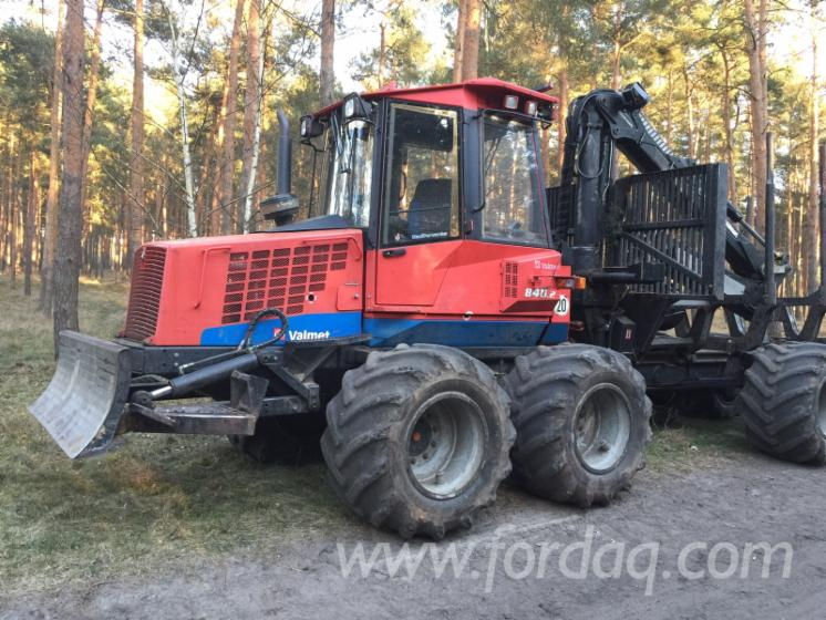Used-2004-Valmet-840-2-Forwarder-in