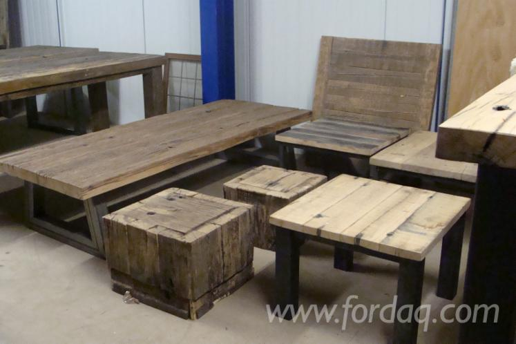 Salontafels van oud eiken wagonplanken  wagondelen  wagonhout