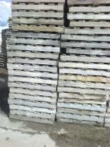 SECOND HAND PALLETS