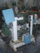 DOUBLE KNURLING MACHINE