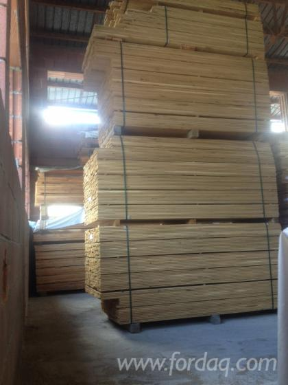 Selling solid oak flooring