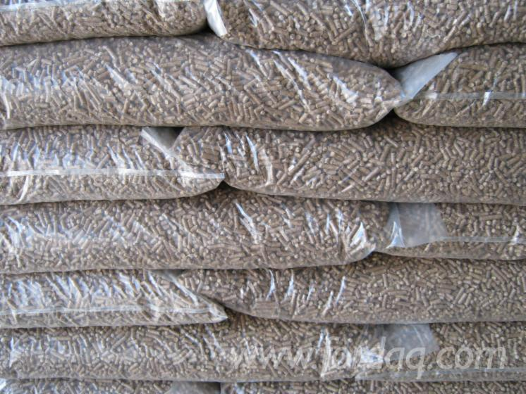 Vente en gros granul s bois enplus pin maritime pinus for Vente bois flotte gros