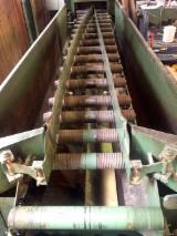 Austria Woodworking Machinery - Used EWD 1998 Conveyor Belt For Hogged Wood, Chips, Fibre For Sale in Austria