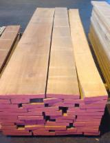 Hardwood - Square-Edged Sawn Timber - Lumber   Italy - Fordaq Online market Edged Steamed Beech 50mm A / B