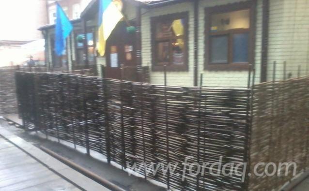 Wicker zaun aus zweigen handmade