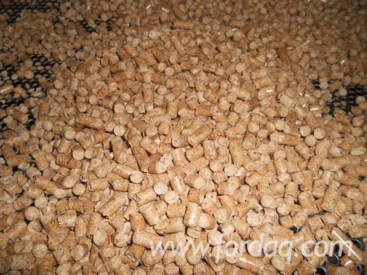 WOOD-PELLETS--EN-plus-A1-%2822-500-t--month%29-15-KG