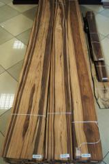Drewniane Orkusze Okleiny Z Całego Świata - Złożone Palety Okleiny - MANGO FORNIR OKLEINA
