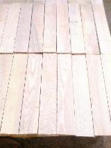 Tavolame E Refilati Frassino Bianco - Vendo Elementi Frassino  26-29 mm