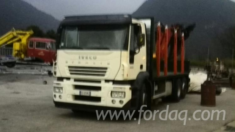 Used-2008-Iveco-Short-Log-Truck-in