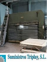 Holzbearbeitungsmaschinen Spanien - Gebraucht 2004 COLOMBO CREMONA Sperrholzpresse für ebene Flächen in Spanien