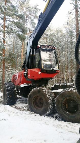 Used-2006-Valmet-941-Harvester-in