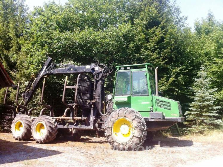 Used-2005-John-Deere-1010D-Forwarder-in