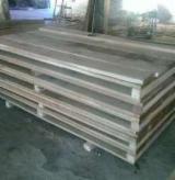 Hardwood - Square-Edged Sawn Timber - Lumber Supplies - Oak  Planks (boards)  Romania