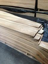 Walnut  Sliced Veneer - Walnut Natural Veneer Romania