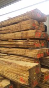 Drewno Liściaste  Drewno Okrągłe – Tarcica Blokowa – Tarcica Nieobrzynana Na Sprzedaż - Tarcica Nieobrzynana - Deska Tartaczna, Dąb