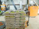 Firewood, Pellets and Residues Supplies - ENplus Oak  Wood Pellets 6 mm