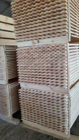 Lijstwerk – Schroten  En Venta - Den (Pinus sylvestris) - grenenhout, Lijstwerk - Mouluren