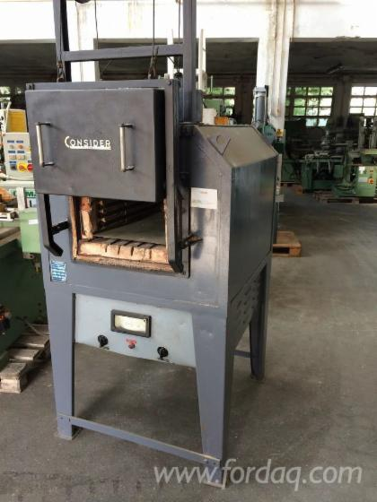 Oven-for-tempering-metals-brand