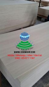 White and red engineered plywood, commercial plywood
