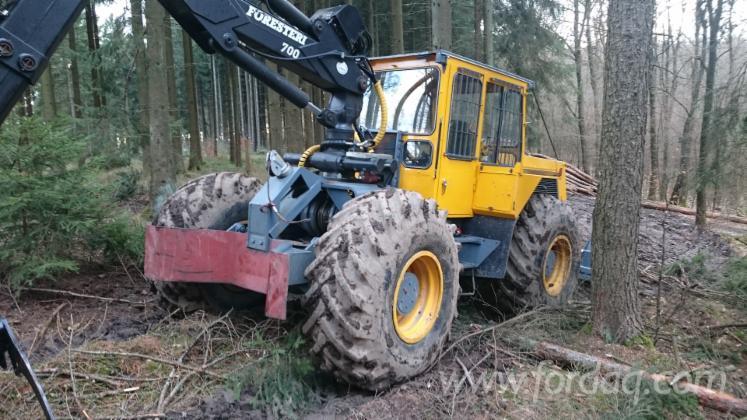 Used-Lkt-120-2002-Articulated-Skidder-in