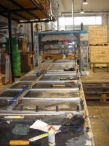 Finden Sie Holzlieferanten auf Fordaq - Brusa Roberto - Gebraucht Rimac Punto TM5 2000 Nagelmaschine Zu Verkaufen Italien