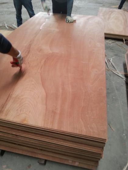 sapelli-plywood-okoume
