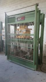 COUPLE OF HIGH FREQUENCY PRESSES WITH GENERATOR