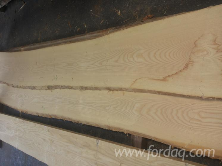 European-ash-lumber--partially-edged--white-without-heart-possible