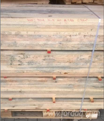 Dry-edged-timber-with-a-blue-stain-and-mold-for