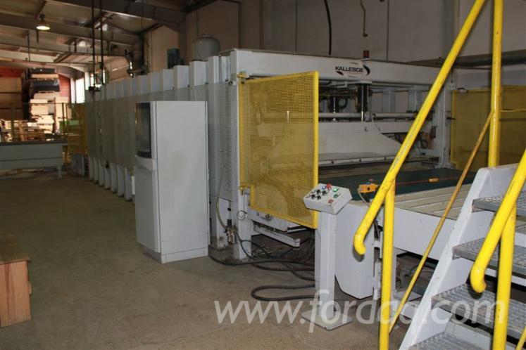 Vend presse pour panneaux de fibres ou de particules kallesoe occasion pologne - Panneaux de particule ...