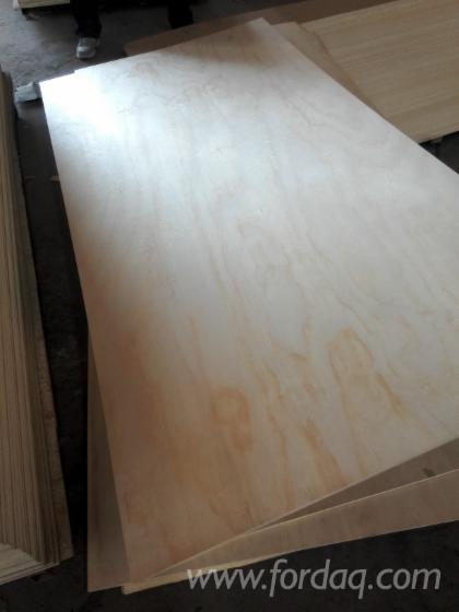 Pine-Plywood-Furniture-Grade-Pine-Board