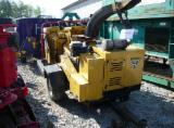 Forest & Harvesting Equipment - Wood chipper Vermeer BC 1200 XL, year 2011