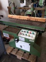 Деревообрабатывающее Оборудование - Пазовальные Станки Для Производства Стульев Lari&Lari Б/У Италия